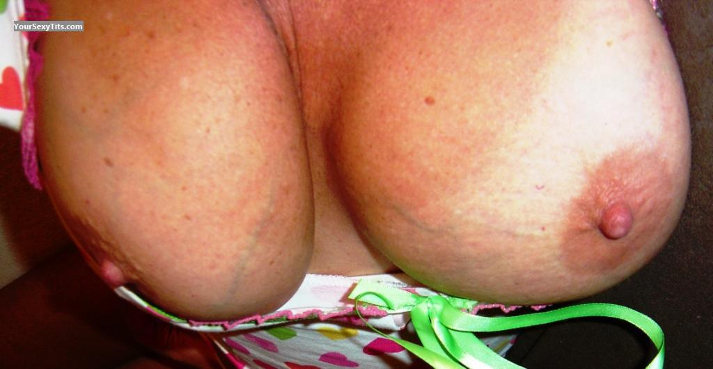 Tit Flash: Very Big Tits - Lee from United States
