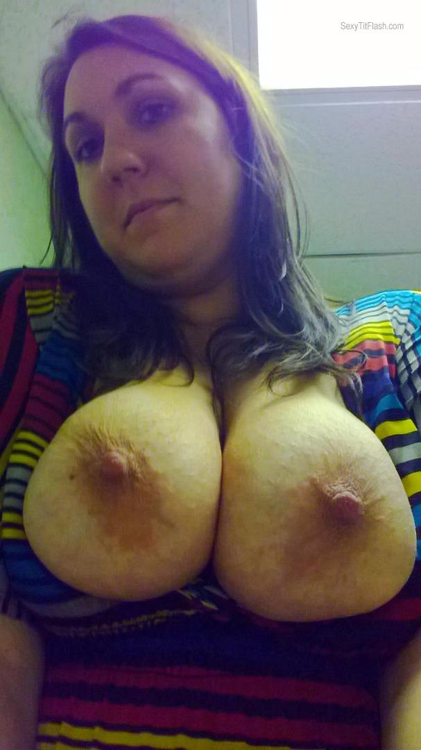 Very big Tits Of A Friend Topless Selfie by Lynne