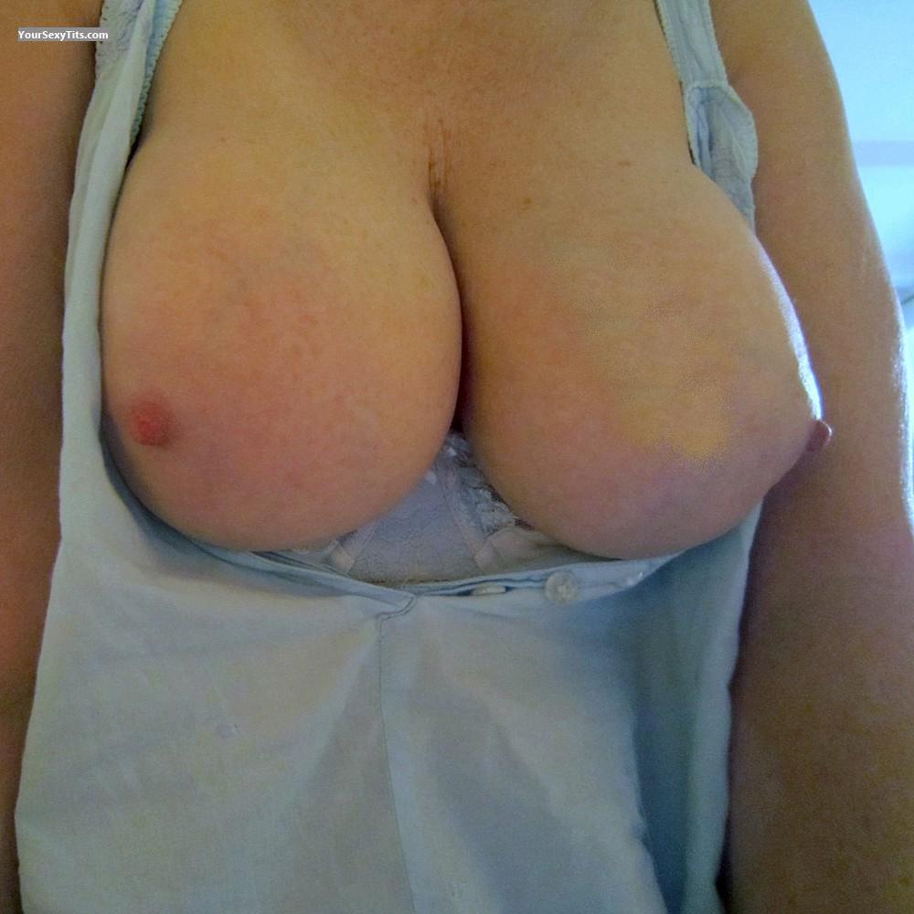 Very big Tits Connie