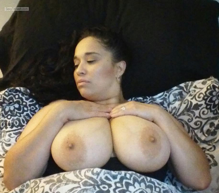 My Very big Tits Topless Selfie by Mujer