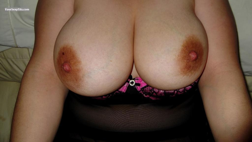 Tit Flash: Wife's Very Big Tits - Mmounds from United States