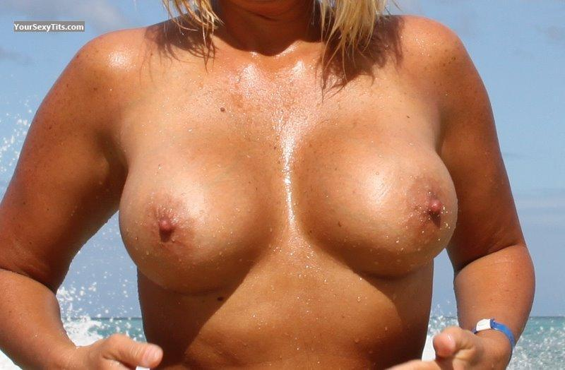 Very big Tits Of My Wife Tx_Teal