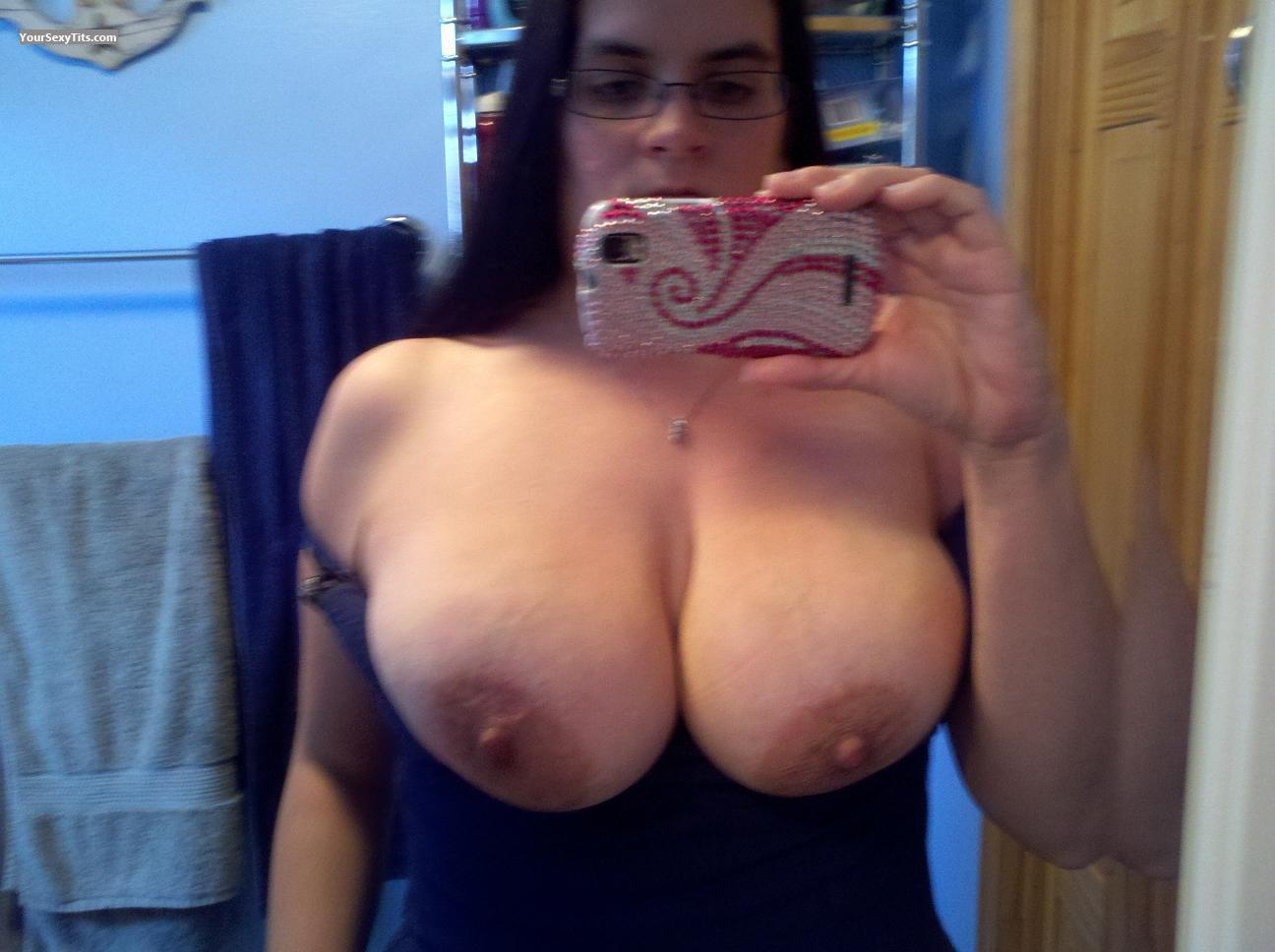 Very big Tits Of My Ex-Girlfriend Topless Selfie by Toni
