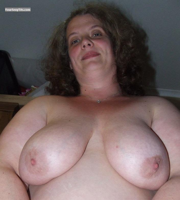 Tit Flash: Very Big Tits - Topless Gem from United Kingdom