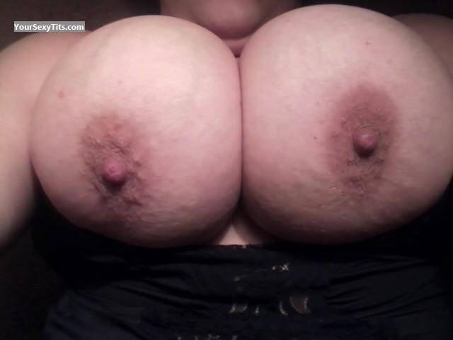Very big Tits Of My Ex-Wife Selfie by Brrrrrrr