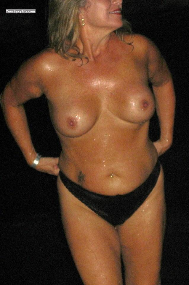 Very big Tits Sweet Lady