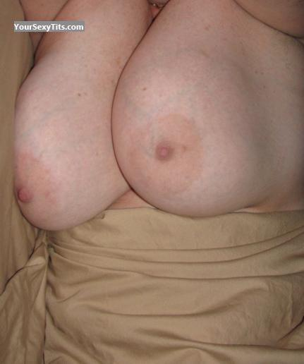 Tit Flash: Very Big Tits - Fiona from United States