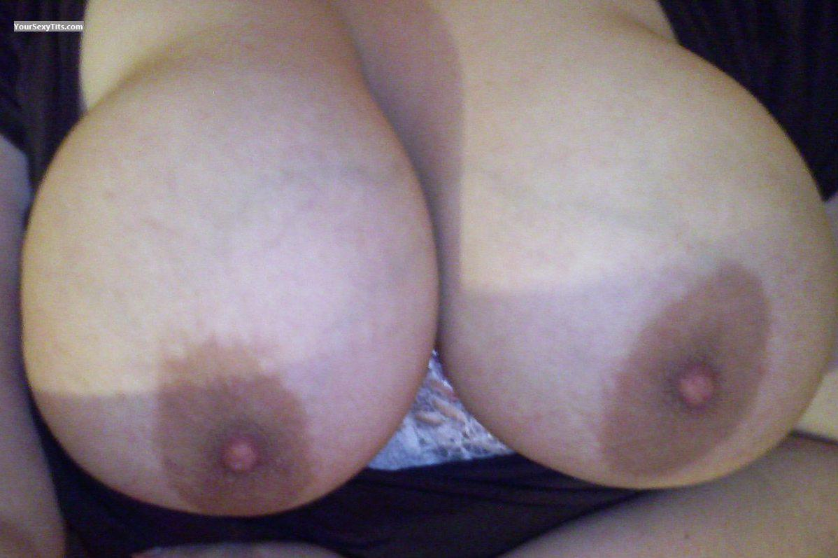 Very big Tits Of A Coworker Zoe