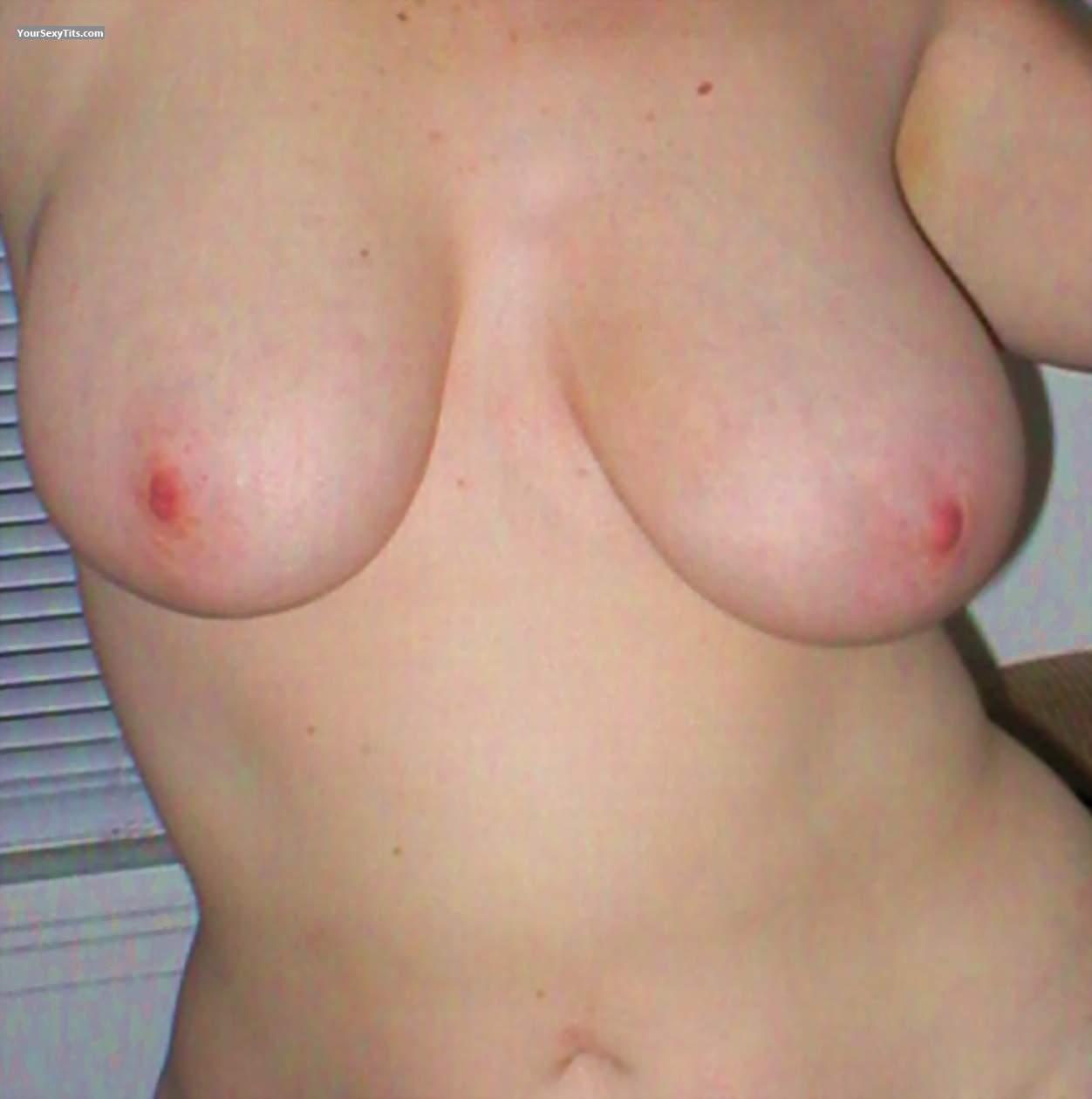 Tit Flash: Very Big Tits - Vixen from United States