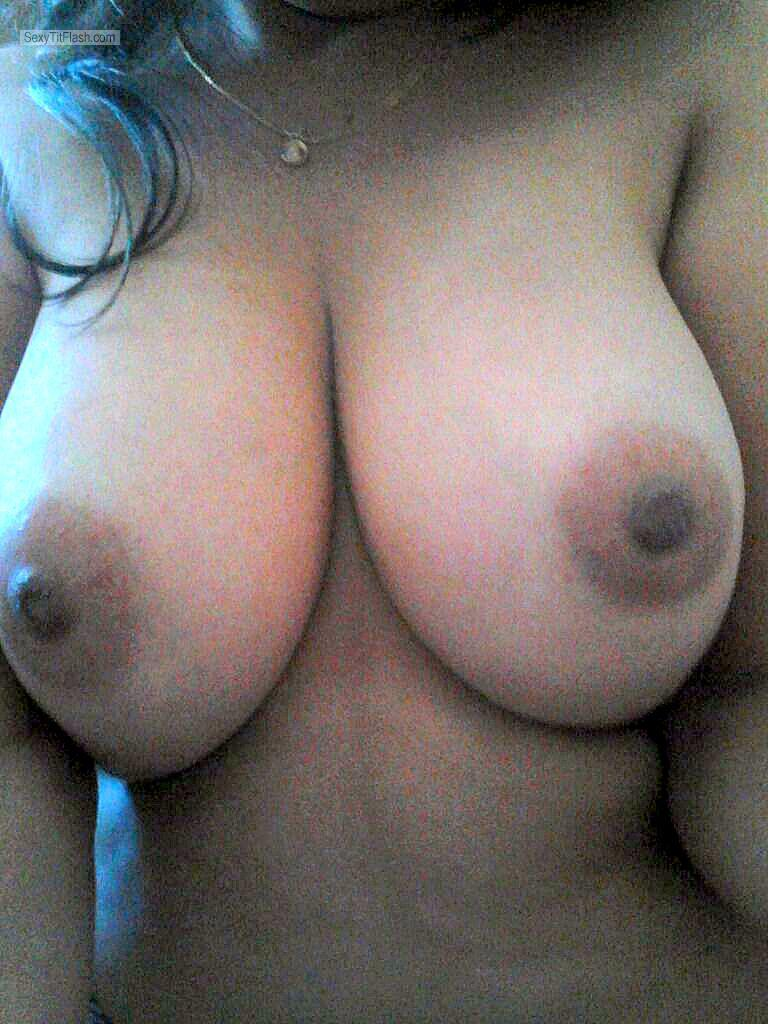 Very big Tits Of My Room Mate Selfie by Wanna