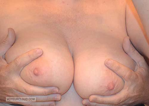 Tit Flash: Wife's Very Big Tits - Sexy Boobs from United States
