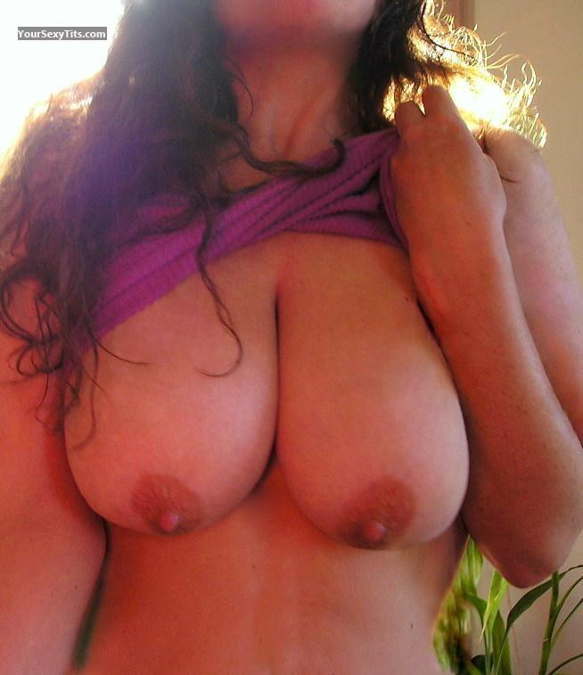 Tit Flash: Wife's Very Big Tits - Zoe from United States