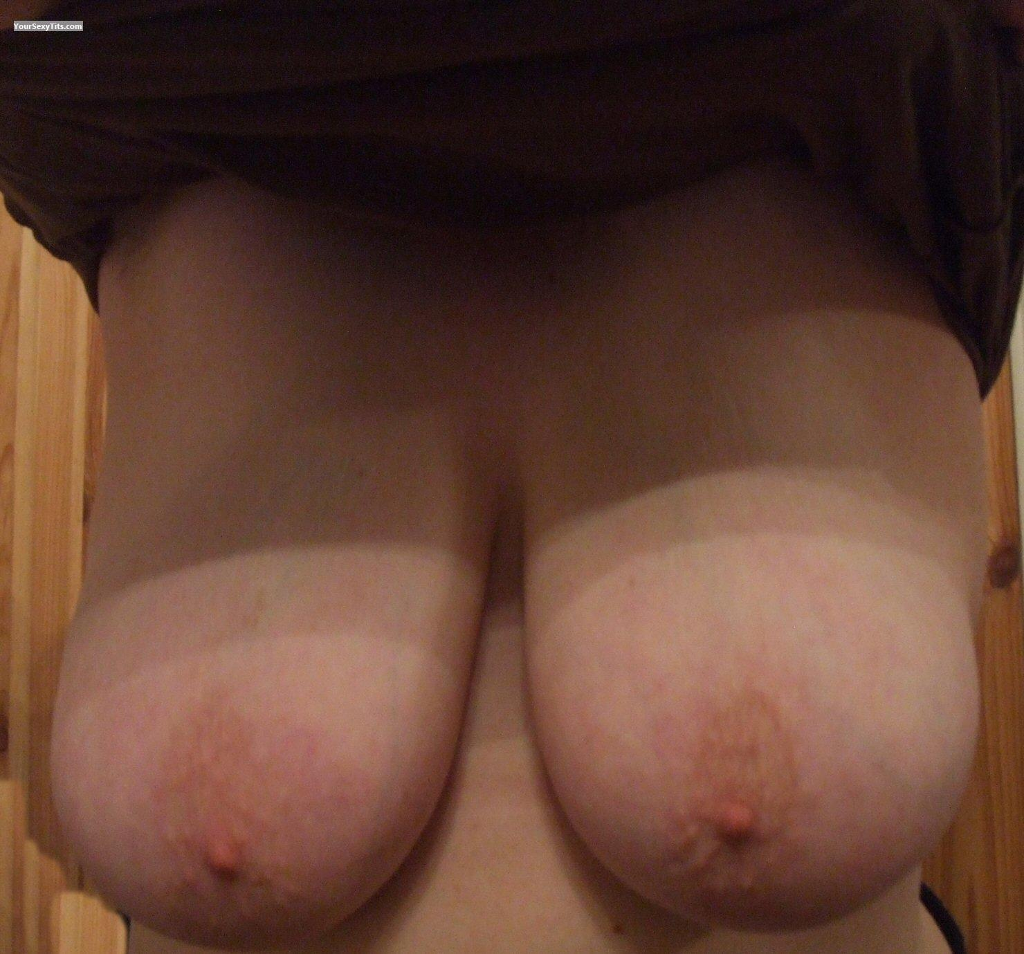 Tit Flash: Very Big Tits - Boobies from United Kingdom