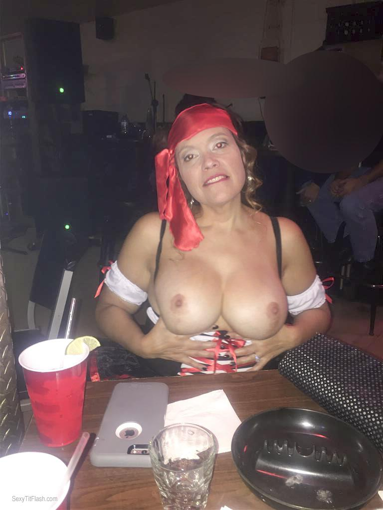 Very big Tits Of My Wife Topless FL Flasher