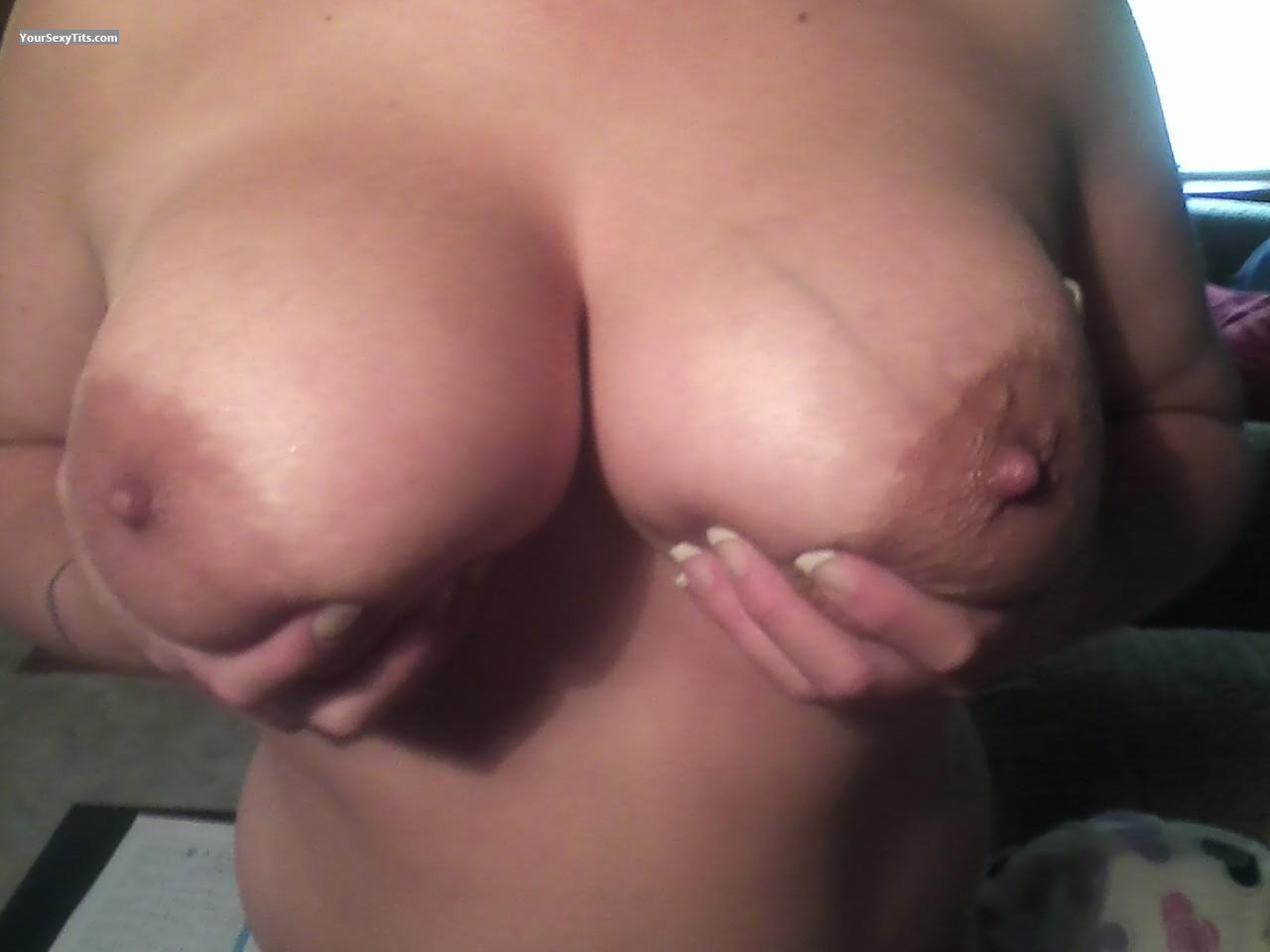 Tit Flash: Very Big Tits - Ibet from United States