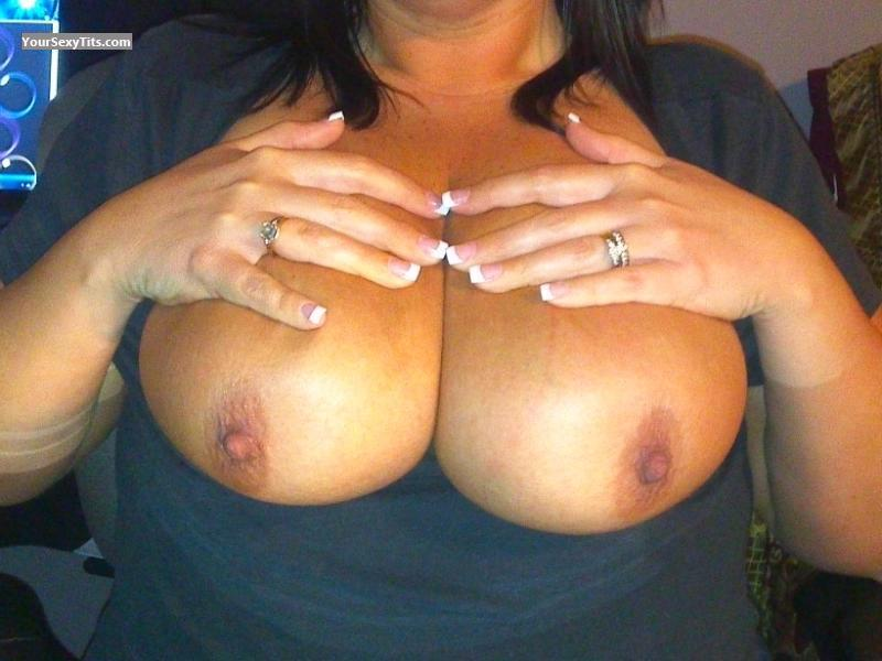 Tit Flash: Wife's Very Big Tits - Jj from United States