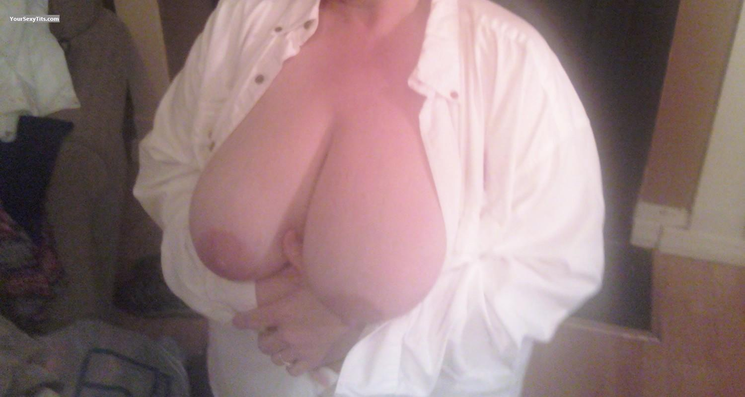 Tit Flash: Very Big Tits - Big Titties from United States