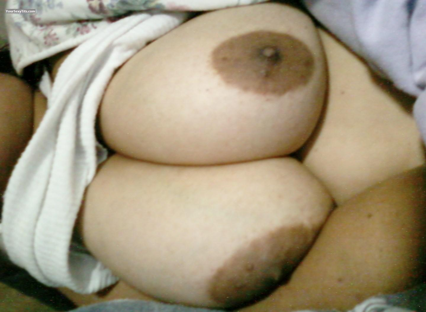 Tit Flash: Very Big Tits - Brown Beauty from United States
