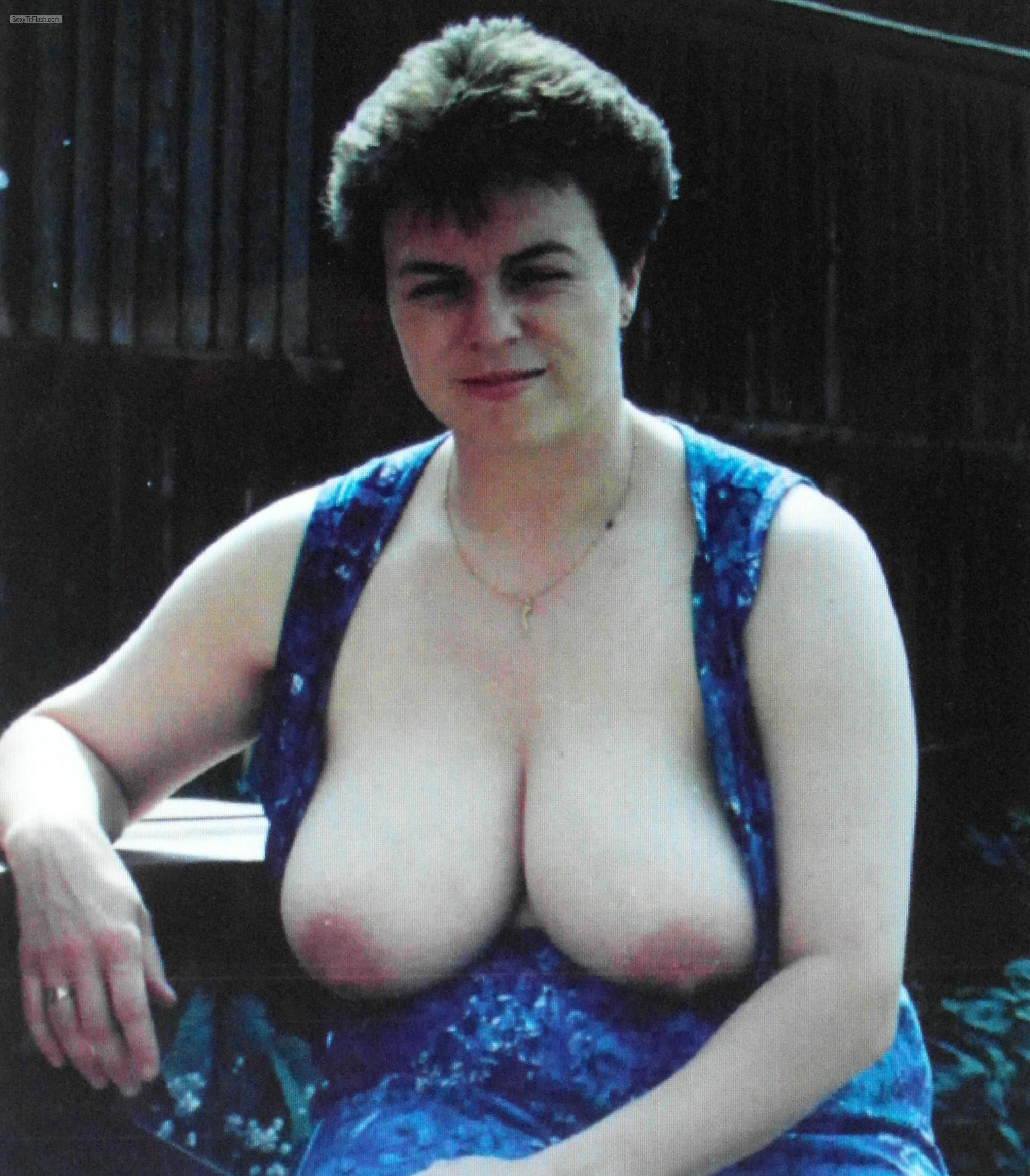 Very big Tits Of A Friend Topless Retro Nude