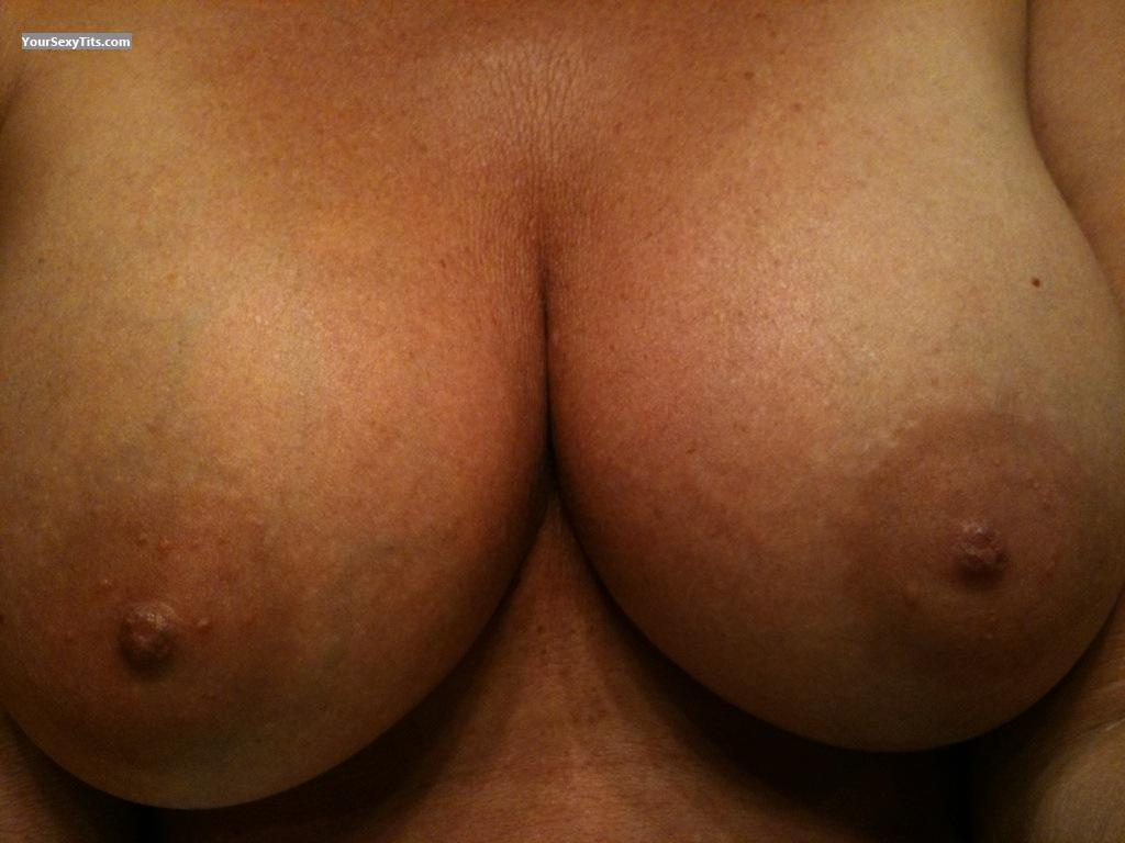 Tit Flash: Very Big Tits - Hotwife42 from United States