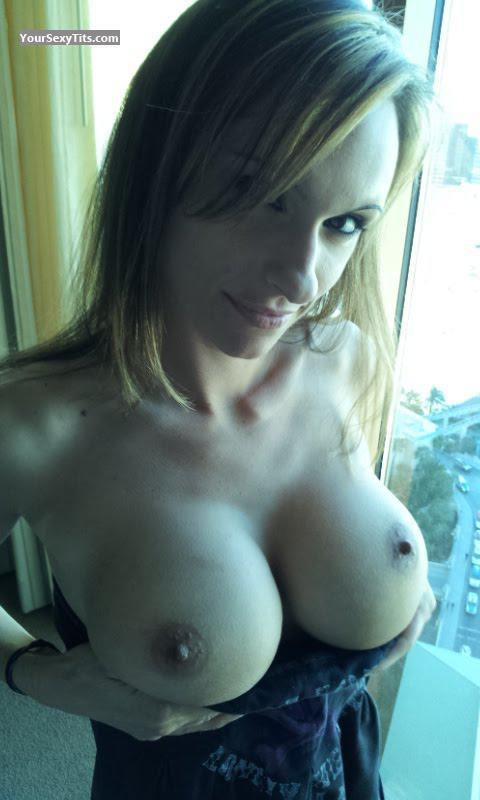Very big Tits Of My Wife Topless Racheal