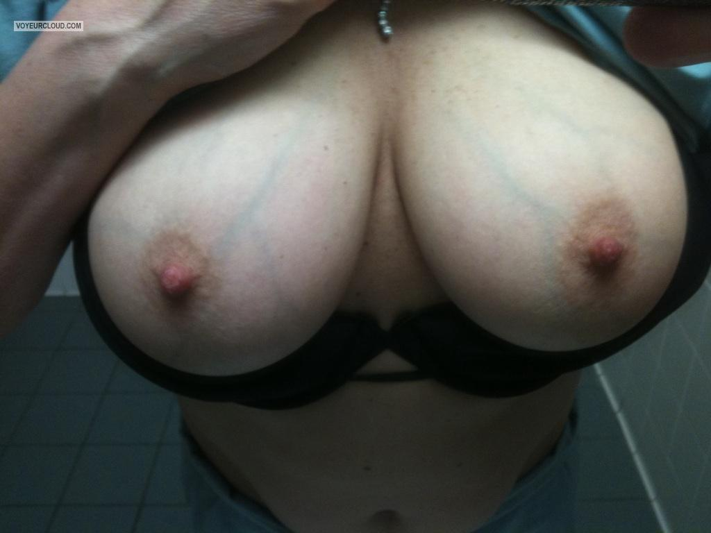 Tit Flash: Girlfriend's Very Big Tits (Selfie) - MsMn from United States