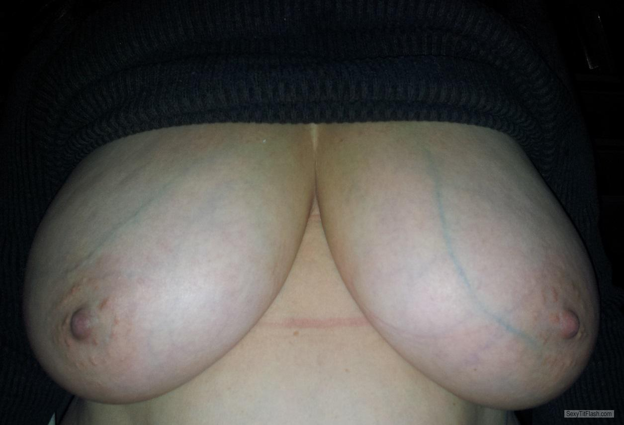 Tit Flash: Wife's Very Big Tits - Rosie from United States