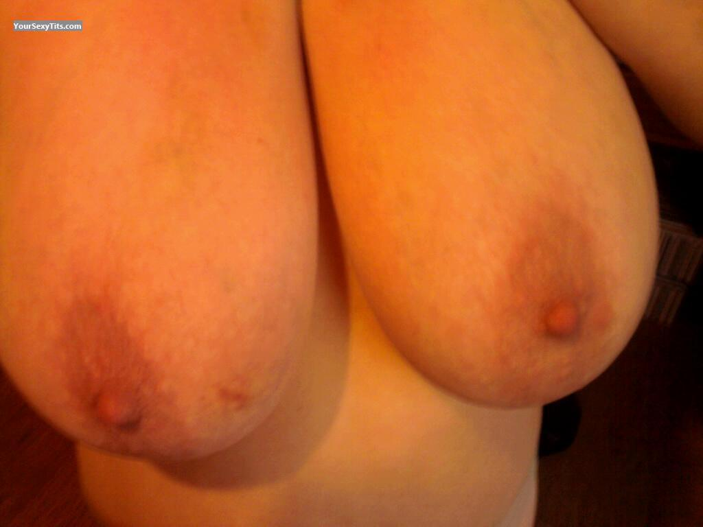 Tit Flash: Very Big Tits - Smooth686868 from Ireland