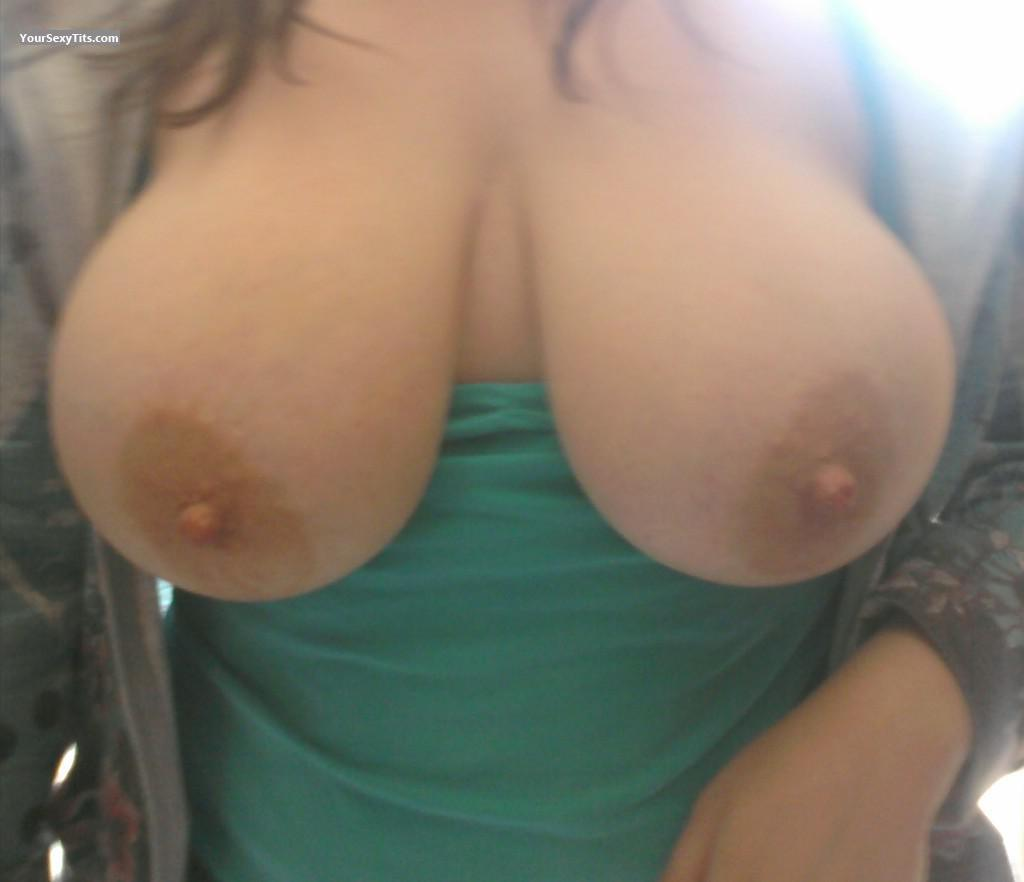 Tit Flash: Very Big Tits - Something Special from United States