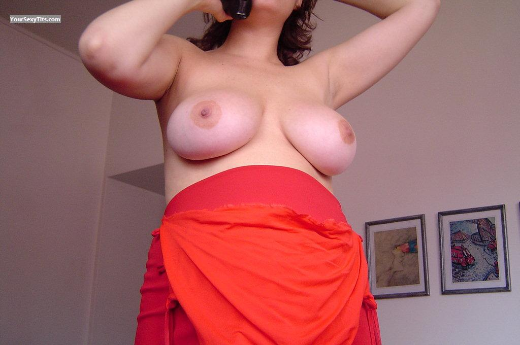 Very big Tits Paris
