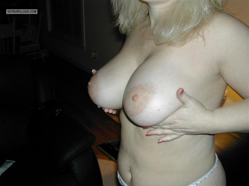 Very big Tits Of My Wife Charlie