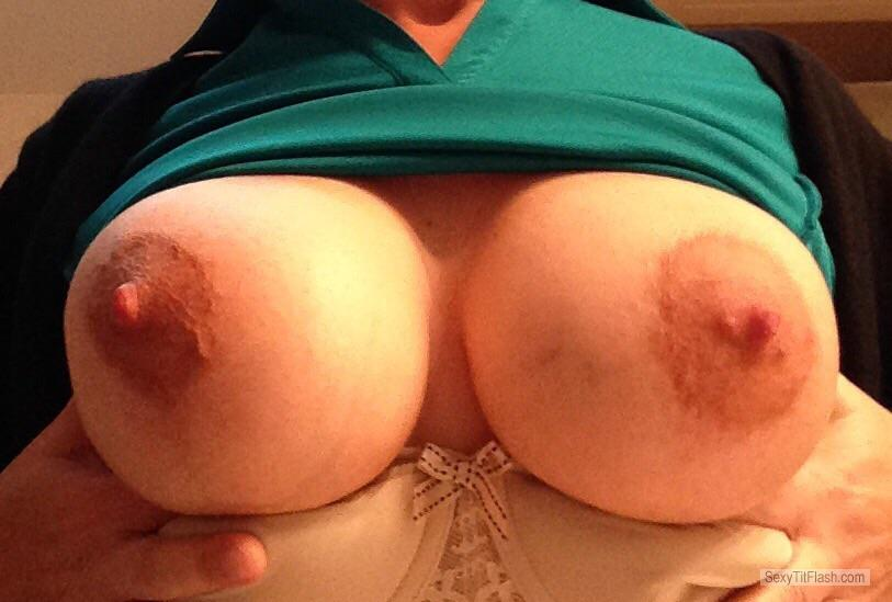 Tit Flash: Wife's Very Big Tits - Topless Mystery from United Kingdom