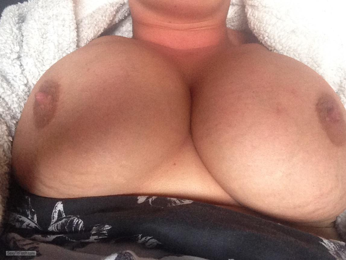 Tit Flash: My Very Big Tits - Sexy Wife from United Kingdom