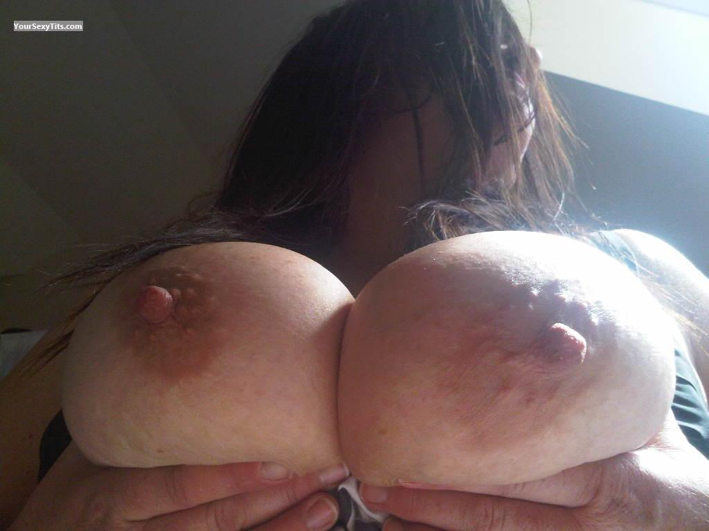 Tit Flash: Very Big Tits - Maryanne from Australia