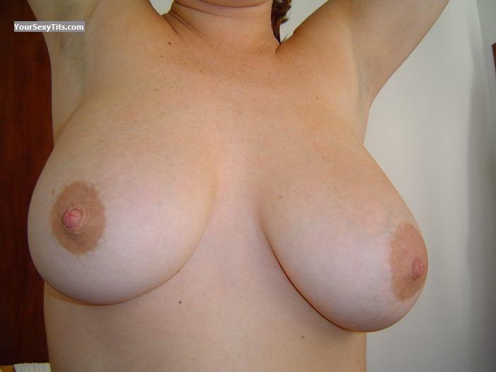 Tit Flash: Very Big Tits - Paris from Argentina