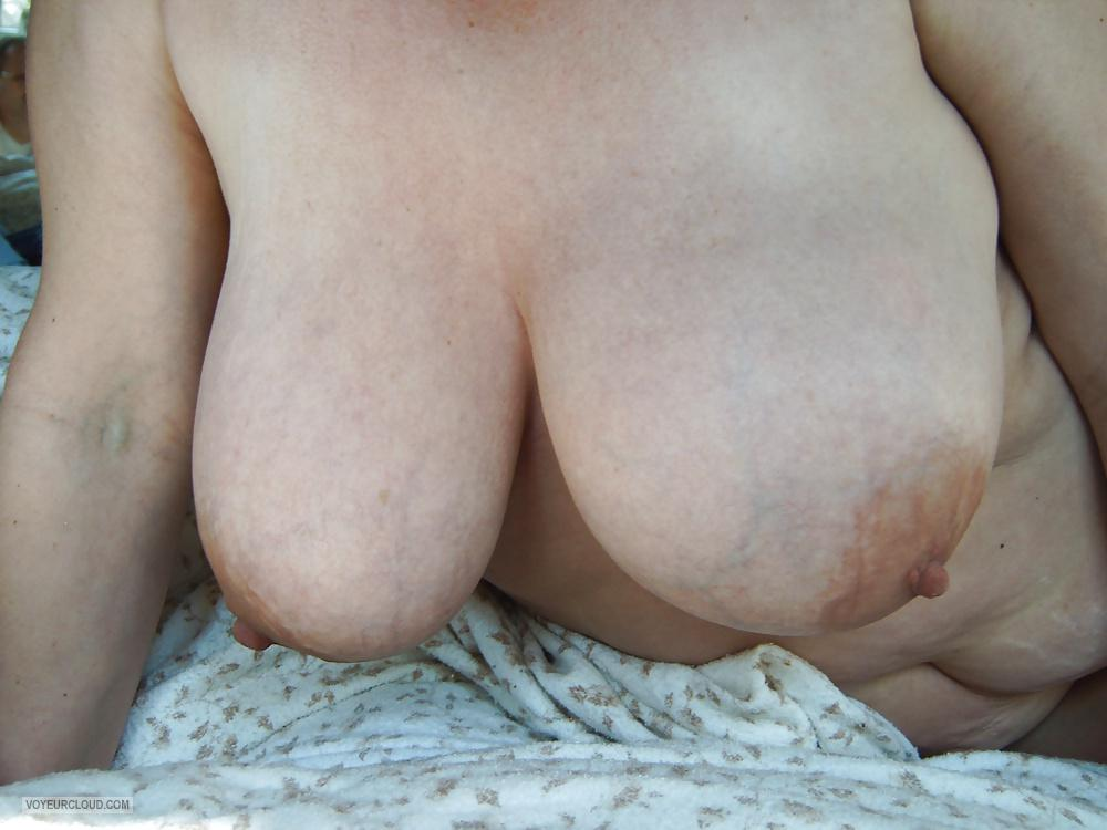 Tit Flash: Wife's Very Big Tits - Tittenfee from United States