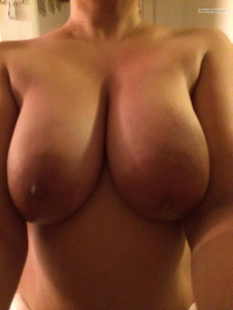 Tit Flash: Ex-Girlfriend's Very Big Tits (Selfie) - Dwolvie1978 from United States