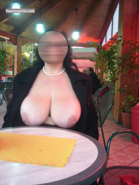Tit Flash: Very Big Tits - Sexy64 from Italy