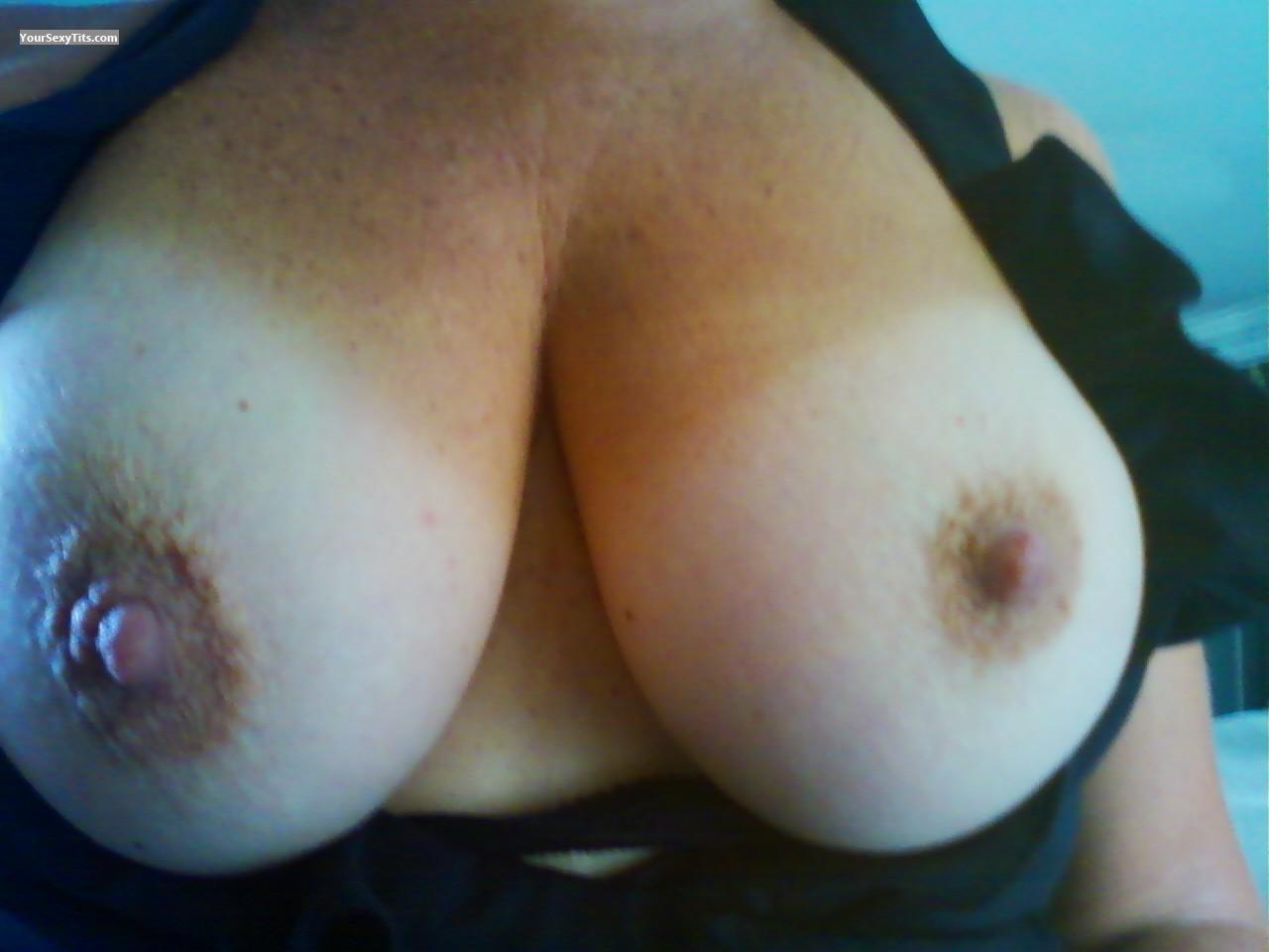 Tit Flash: Very Big Tits - Billtina from United States
