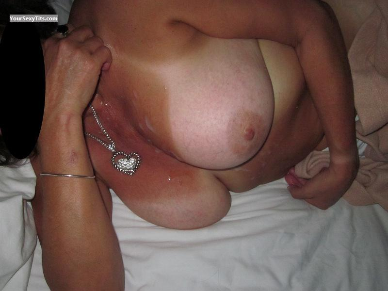 Tit Flash: Very Big Tits - Cassi from United States