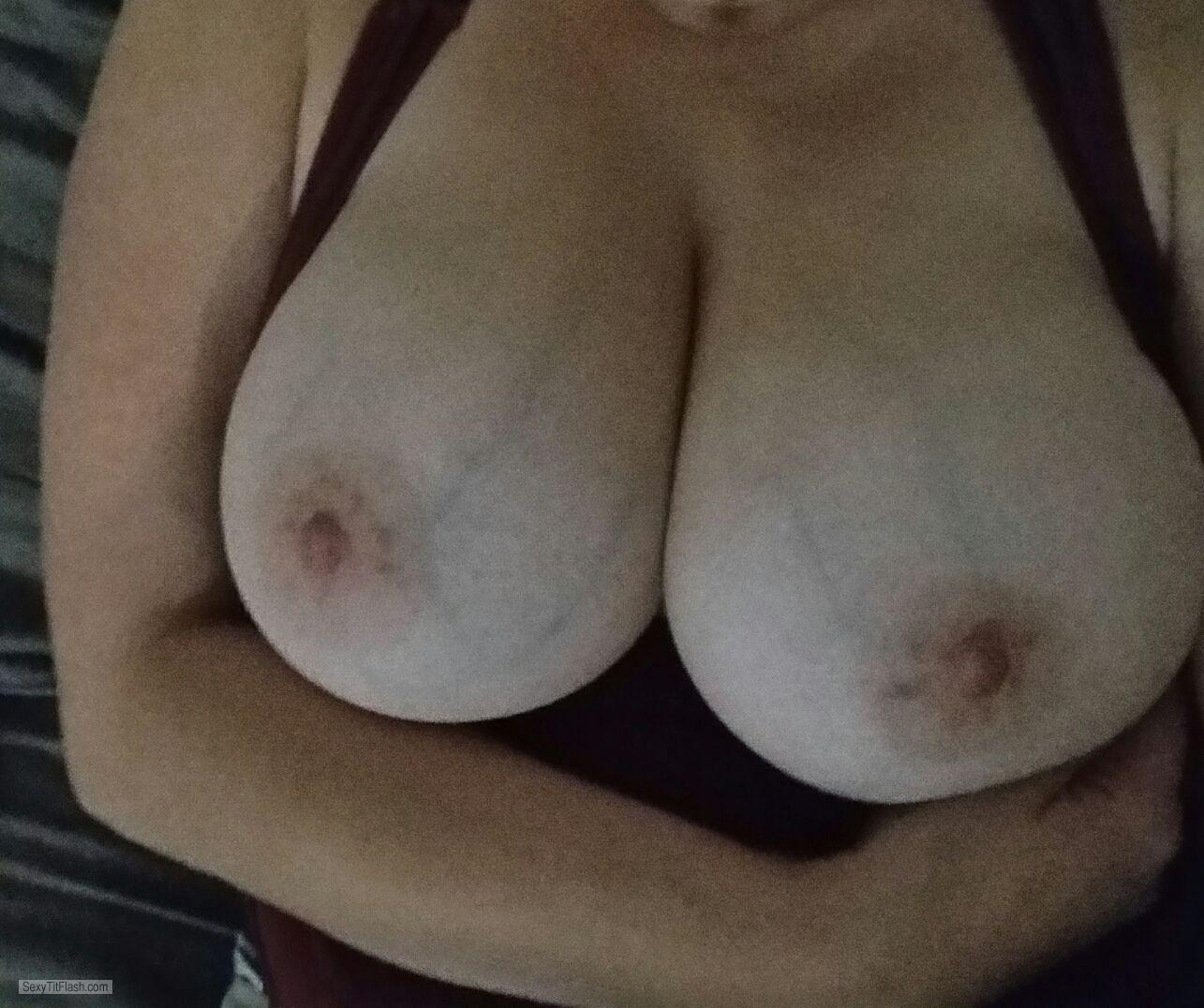my very big tits (selfie) - xxx from united kingdom tit flash id 205262