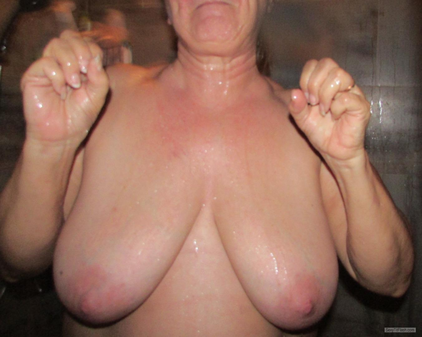 Tit Flash: Wife's Very Big Tits - LADY LOVE from United States