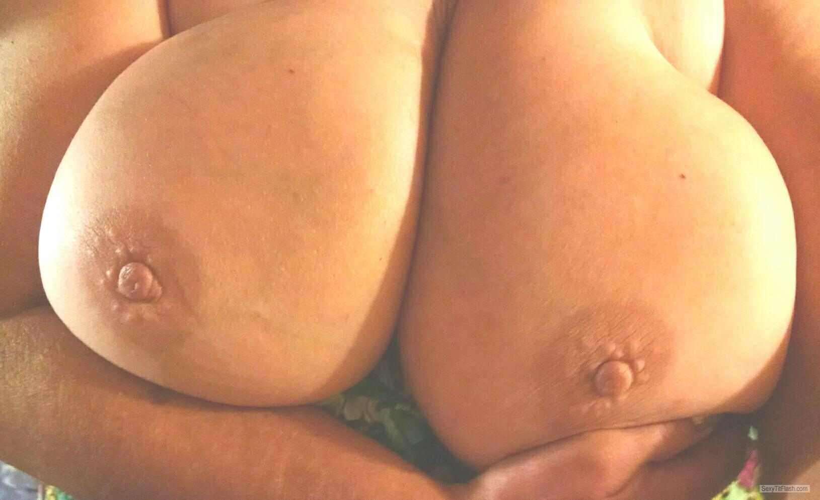 Tit Flash: Wife's Very Big Tits - Buns from United States