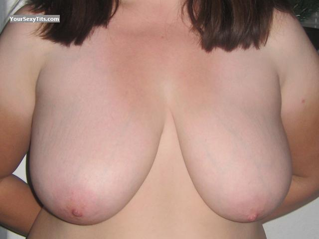 Tit Flash: Very Big Tits - Dd from United States