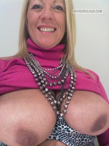Very big Tits Of My Girlfriend Topless Lisa