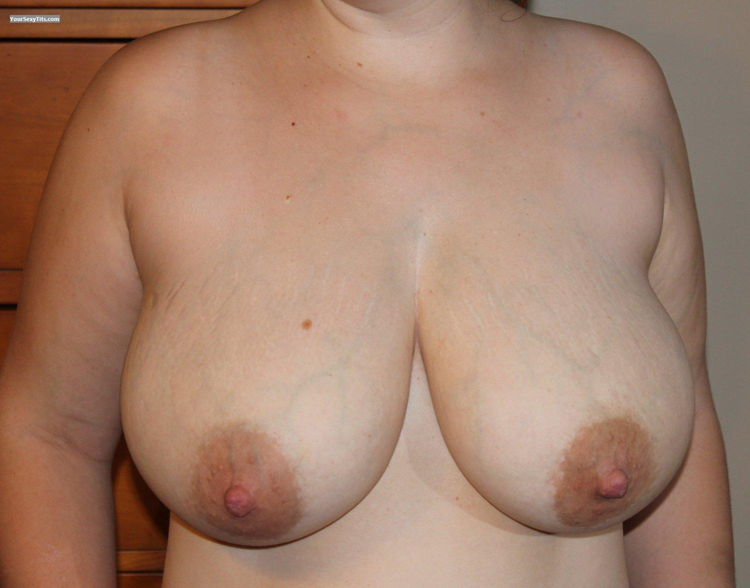 Tit Flash: Very Big Tits - GreenMandM from United States