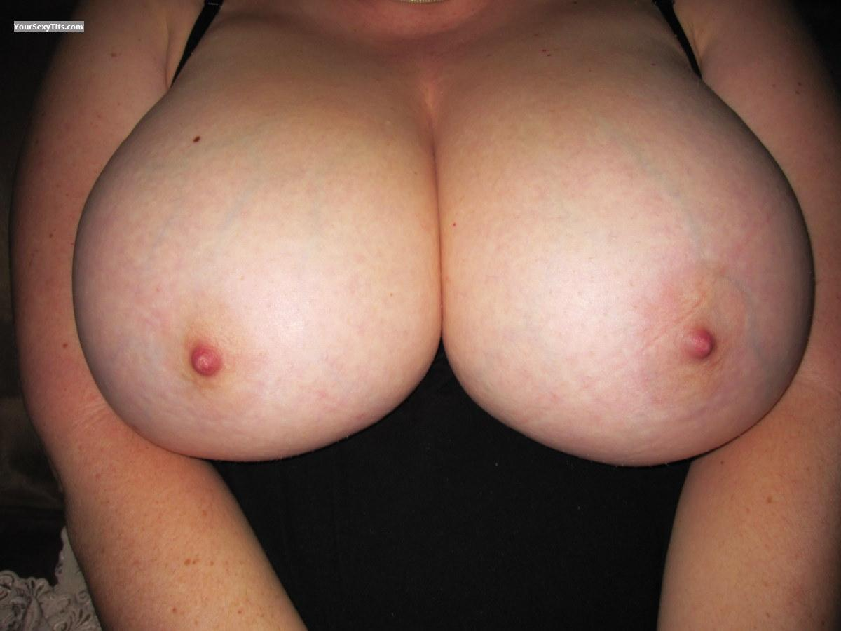 Tit Flash: Very Big Tits - Maybe More? from United States