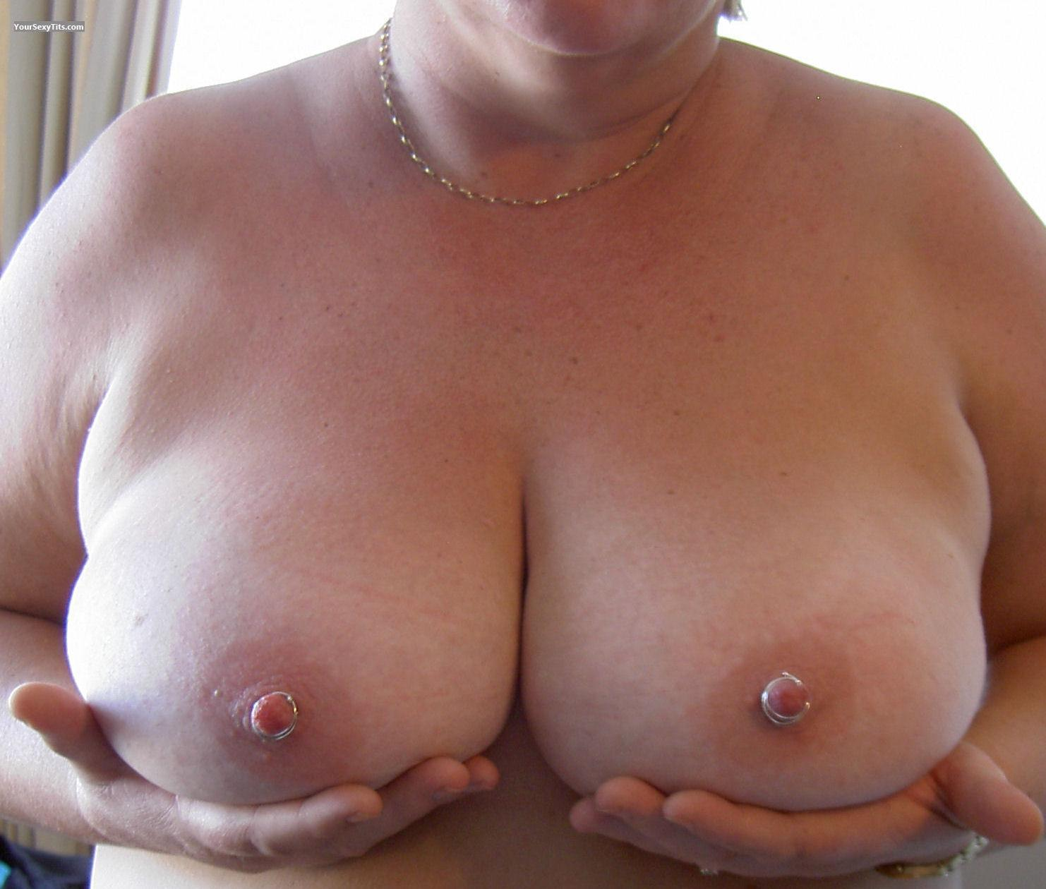 Tit Flash: Very Big Tits - Lou from South Africa