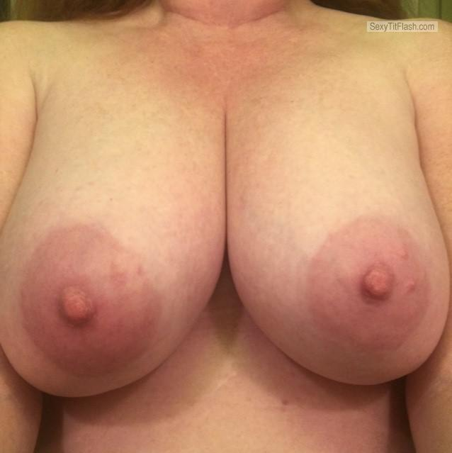 Tit Flash: Girlfriend's Very Big Tits (Selfie) - Girlfriend Big Boobs from United States