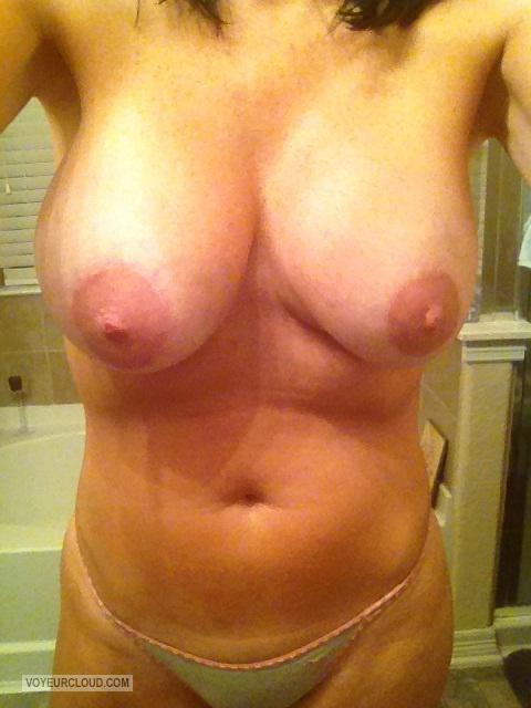 Tit Flash: Wife's Very Big Tits (Selfie) - My Beautiful Baby from United States